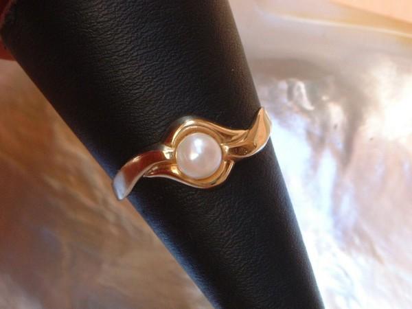 Feiner & zarter Damen Perlen Ring - 8 Kt. Gold - 333 - second hand - Gr. 63 -