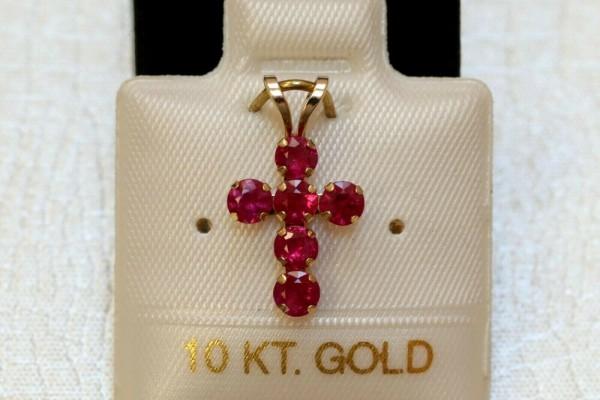 Exclusives Burma Rubin Kreuz - 1,0 ct. - in 10 Kt. Gold - 417 - Brillant Schliff