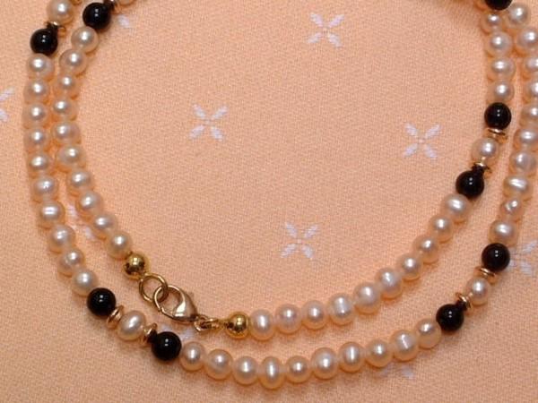 Feine zarte Perlenkette - mit Onyx Kugeln - 8 Kt. Gold - 333 - EDEL !