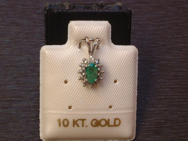 Exclusiver klassischer Anhänger - Smaragd & Diamant - 10 Kt. Weißgold - 417 - TOP