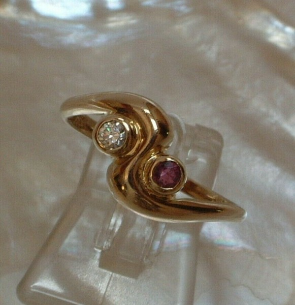 Feiner & zarter Amethyst & Zirkonia Ring - 8 Kt. Gold - 333 - second hand - Gr. 55