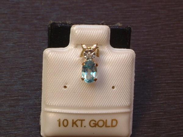 Blautopas Anhänger & Diamant Krone - 0,52 ct. - 10 Kt. Gold - 417 - Oval Schliff