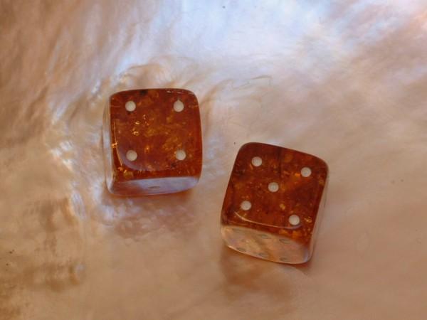 2 Bernstein Würfel - Backgammon - Tavla - Gesellschafts-Spiele - 14,5 x 14,5 mm - 31 ct.