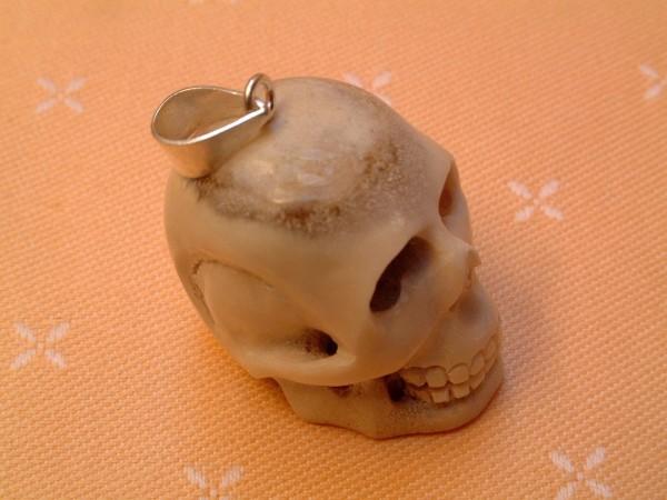Gothic Skull Totenkopf Schädel - Büffelknochen - Oese Sterlingsilber 925 -