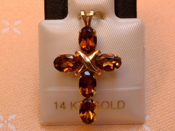 Exclusives Designer Turmalin Kreuz - 2,50 ct. - zart oliv - 14 Kt. Gold 585 - TOP -